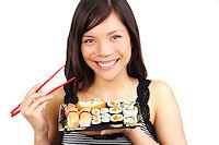 Sushi Kochkurs junge Frau